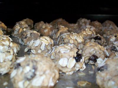 Pantry Eats: Granola Experiment #2 Oatmeal Cinnamon Drops