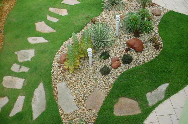 flores e jardins fotos:Flores & Jardins: Pedras no jardim
