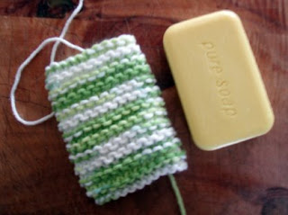 GoodKnit Kisses: FREE PATTERN: Loom Knit Mesh Soap Bag (small