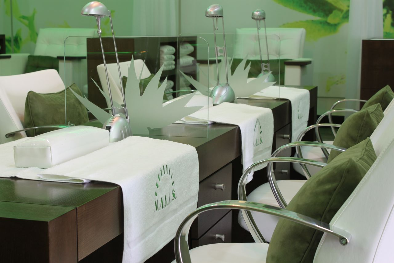 Cameron clegg photography nail spa dubai marina for 7 shades salon dubai