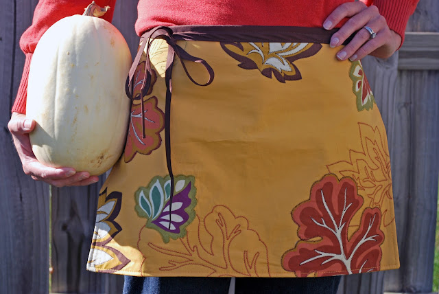Larissa Another Day 10 Minute Place Mat Apron Tutorial
