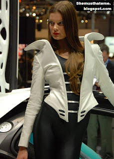Model Cantik di Geneva Auto Show 2010 08