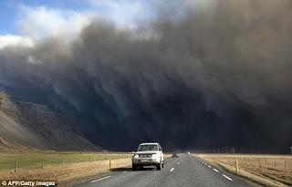 Gunung Meletus di Islandia 5