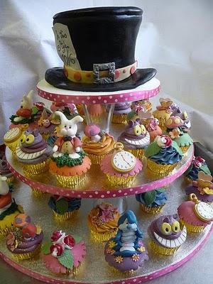 http://4.bp.blogspot.com/_5mAUQuGOnUU/TBJlJfsaUcI/AAAAAAAABIU/95NV54br25E/s1600/Alice+cupcakes_FAIRYTALENEWSBLOG.jpg