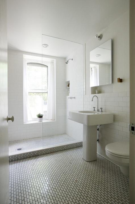 The polished pebble the modern vintage bathroom for Bathroom designs pictures 2010