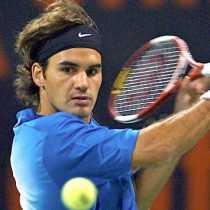 Video de Federer le pega a una lata sobre la cabeza de una persona