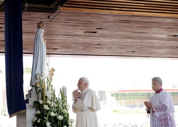 L Elicottero Del Papa : L arrivo a fatima la preghiera del papa maria come un