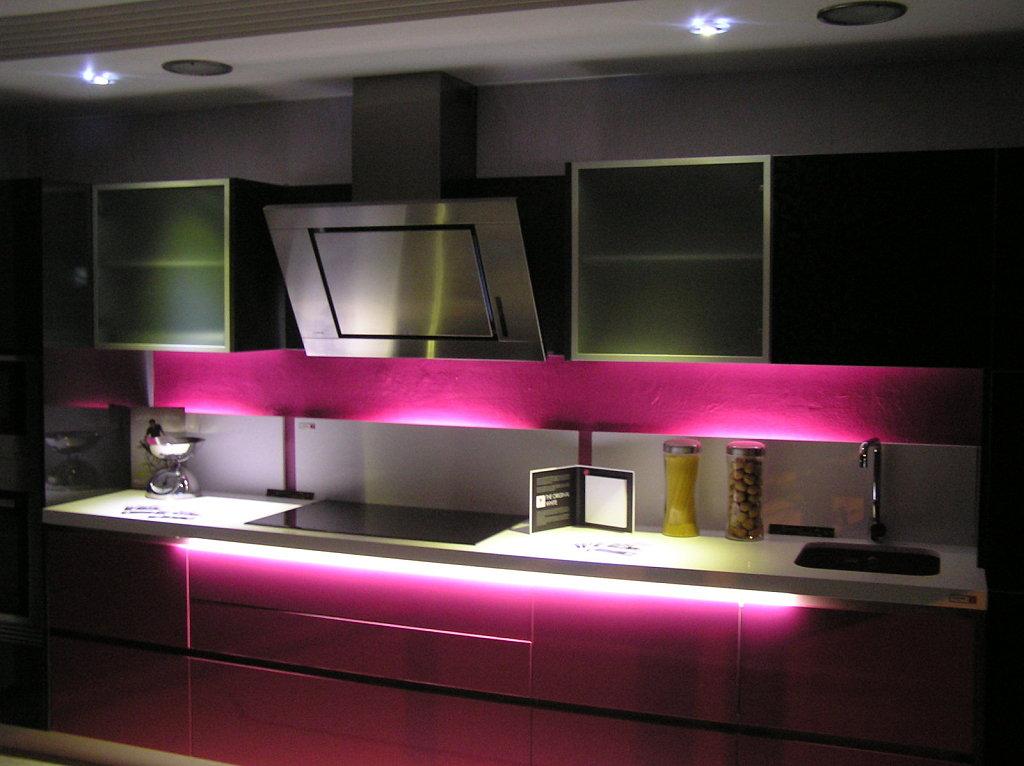 Violeta boluda interiorista leybol enero 2011 - Iluminacion led cocina downlight ...