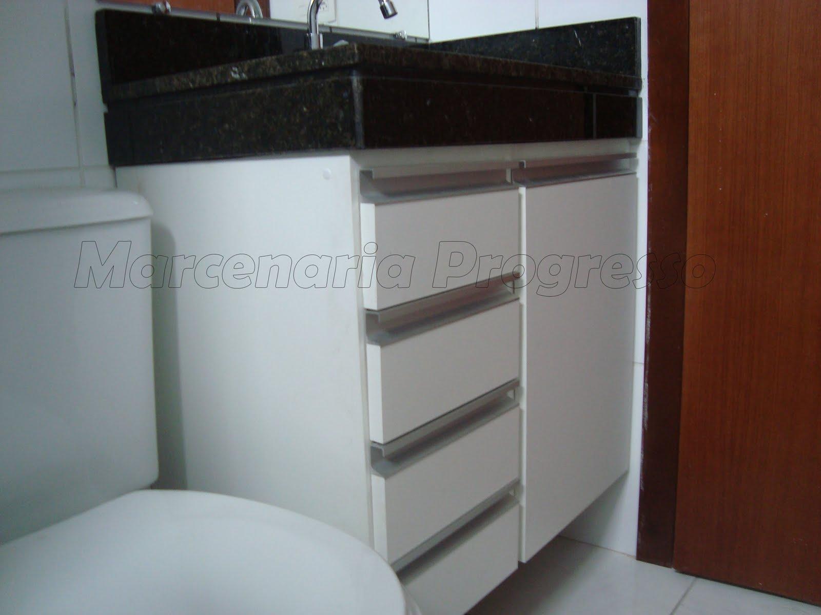 Projeto da arquiteta Beatriz Resende. #5E2E19 1600x1200 Armario Banheiro Projeto