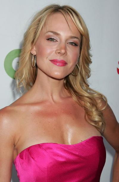 julie benz darla buffy. Julie M. Benz