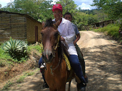Un rato a caballo y otro a pie.