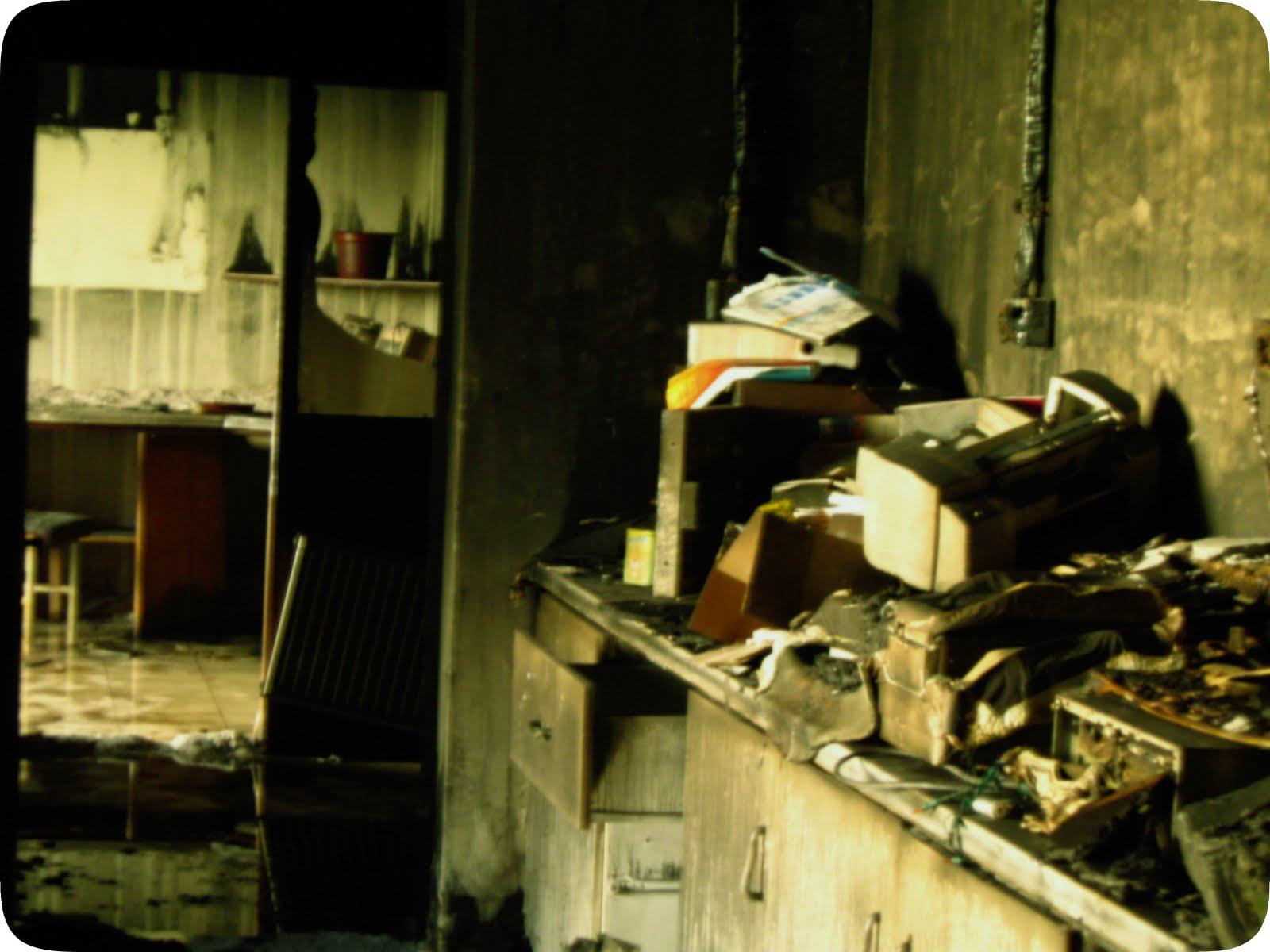 http://4.bp.blogspot.com/_5qPTV-jsbSQ/TED1uhAvoXI/AAAAAAAAATY/NTTA55o2Weo/s1600/Tarkovsky.jpg
