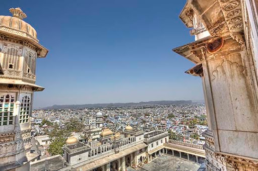 City+Palace+%28Udaipur%29 The Incredible India: 90 Spectacular Photos