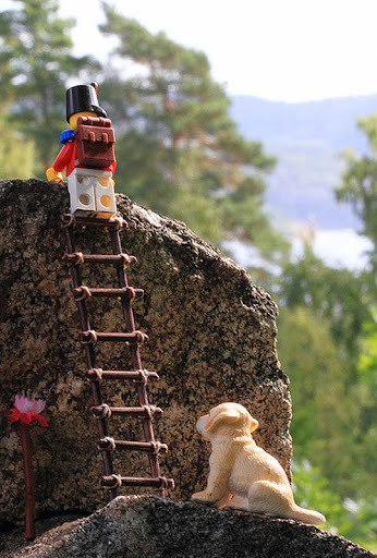 There+are+big+stones+all+over+the+place+in+this+country 50 Incredibly Creative LEGO Creations