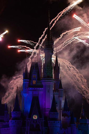Magic+Kingdom+Day+Three 36 60+ Jaw Dropping Examples of Fireworks Photography
