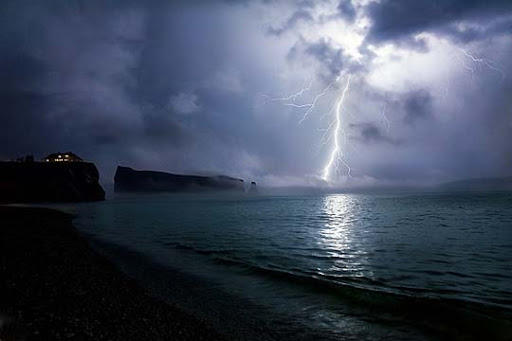 By+Dan.+D Striking and vivid Examples of Lightning Photography