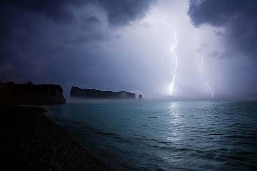 ELECTRIFYING Striking and vivid Examples of Lightning Photography
