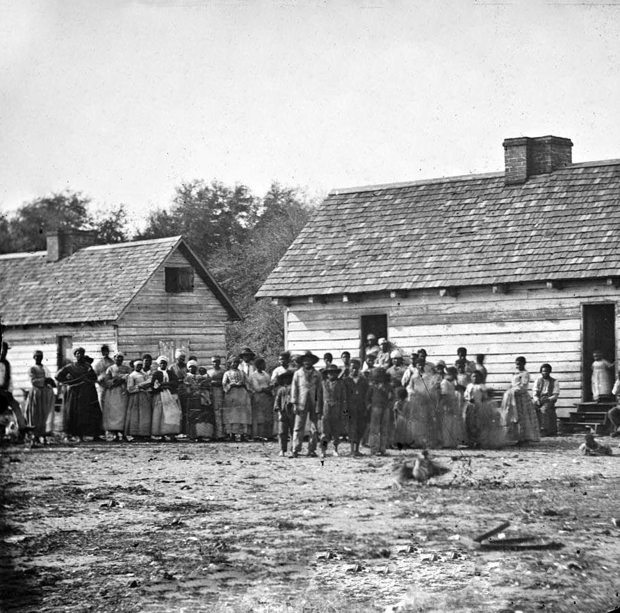 [plantation-slaves.jpg]
