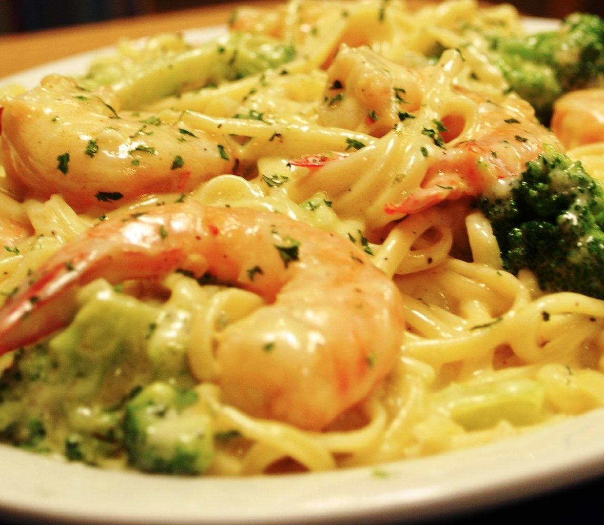 shrimp and broccoli alfredo shrimp broccoli fettuccine broccoli shrimp ...