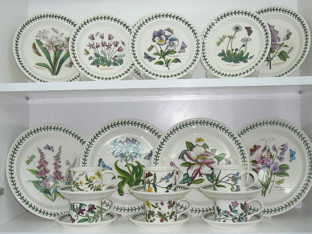 Lovely treasures from english garden portmeirion botanic for Portmeirion dinnerware set of 4 botanic garden canape plates