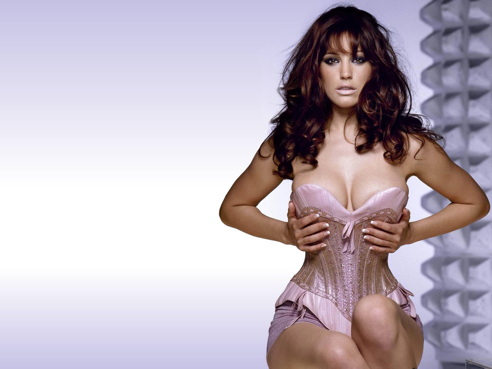 http://4.bp.blogspot.com/_5wt45Sgxoi8/TH4syqqNldI/AAAAAAAABJM/8WK_xoW14Ys/s1600/kelly_brook_wallpaper.jpg