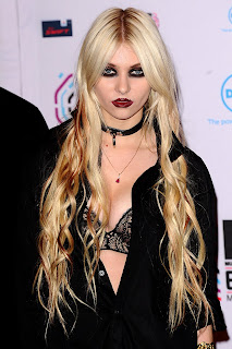 Taylor Momsen at the MTV EMAs
