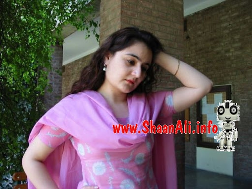 pakistani girls wallpapers. Cute Pakistani Girls