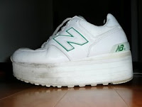 Shoe lift in New Balance sneaker