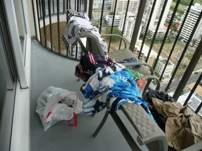 Wet, smelly clothes in Hawaii