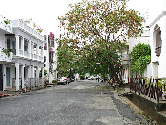 view of quiet Puducherry street