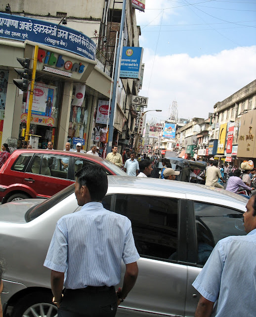 crowded Laxmi road Pune