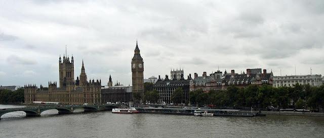 River Thames, Big Ben and the British parliament