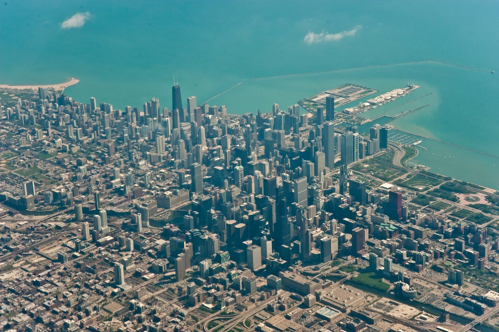http://4.bp.blogspot.com/_5yT-HGxp5uo/S95GMYoKvKI/AAAAAAAADfw/VaPZQwOdlhE/s1600/ChicagoAirplaneView+(1+of+1).jpg