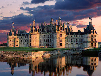 http://4.bp.blogspot.com/_5zDOWArJFhg/SRN21KBSvJI/AAAAAAAAARk/aaqR1bOJkyA/s400/castillo-chambord-francia_fondos10net.jpg
