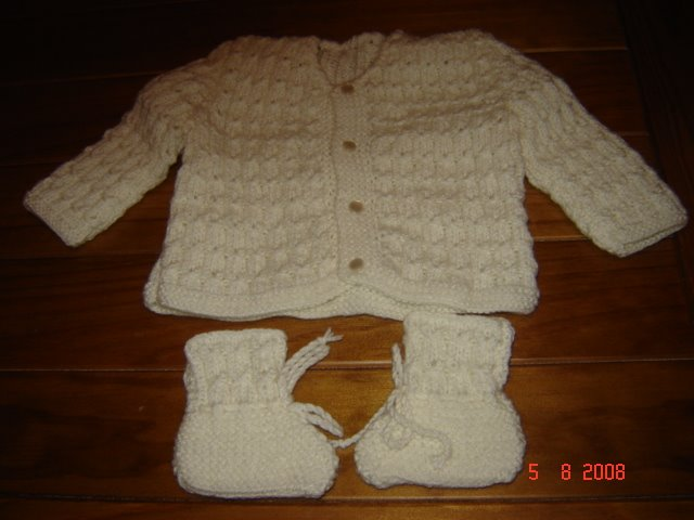 casaco em trico de bebe
