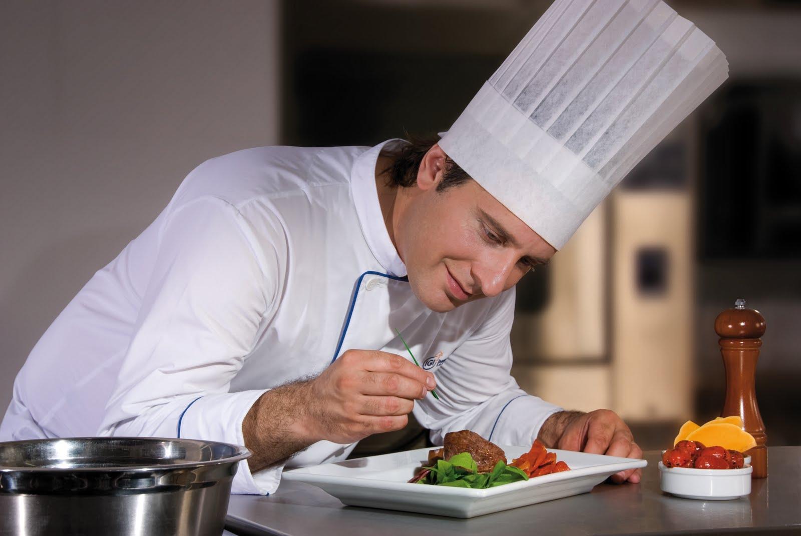 Innovador curso de gastronom a por internet da esperanza a hispanos de bajos recursos udual press - Trabajo de jefe de cocina ...