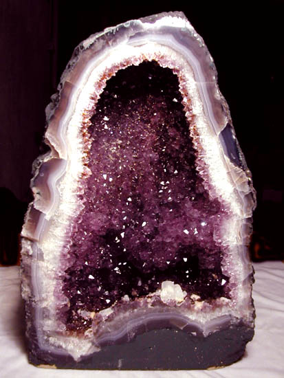 how to know if a rock is a geode