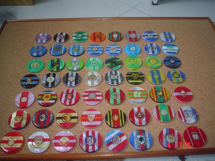 Botões com escudos de metal 2