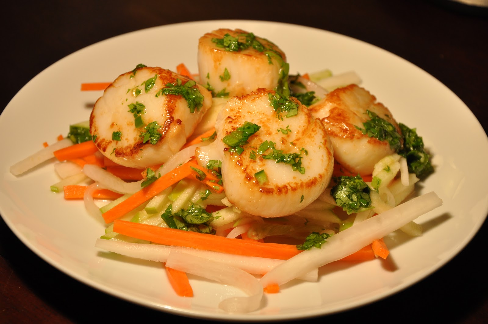 Slice of Rice: Scallops with Cilantro Sauce and Asian Slaw