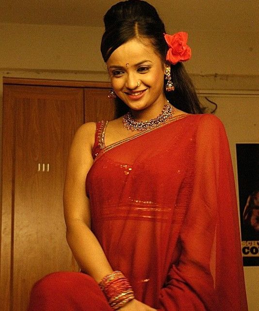 tanurai in spicy item songs shoot hot images