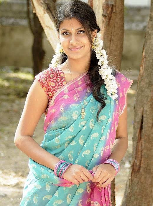 sherya dhanwanthary in saree beautifull look actress pics