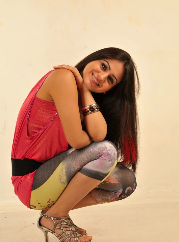 New Cute Actress Aksha new Hot looking stills Gallery hot images