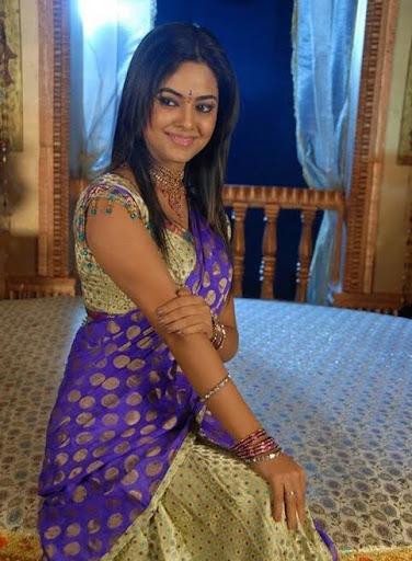 beautiesinsarees meera chopra aka nila in half saree photos