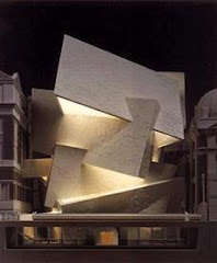 Imajinasi Liar Sang Arsitek