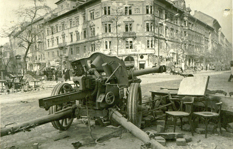 l'artillerie Budapest_1945