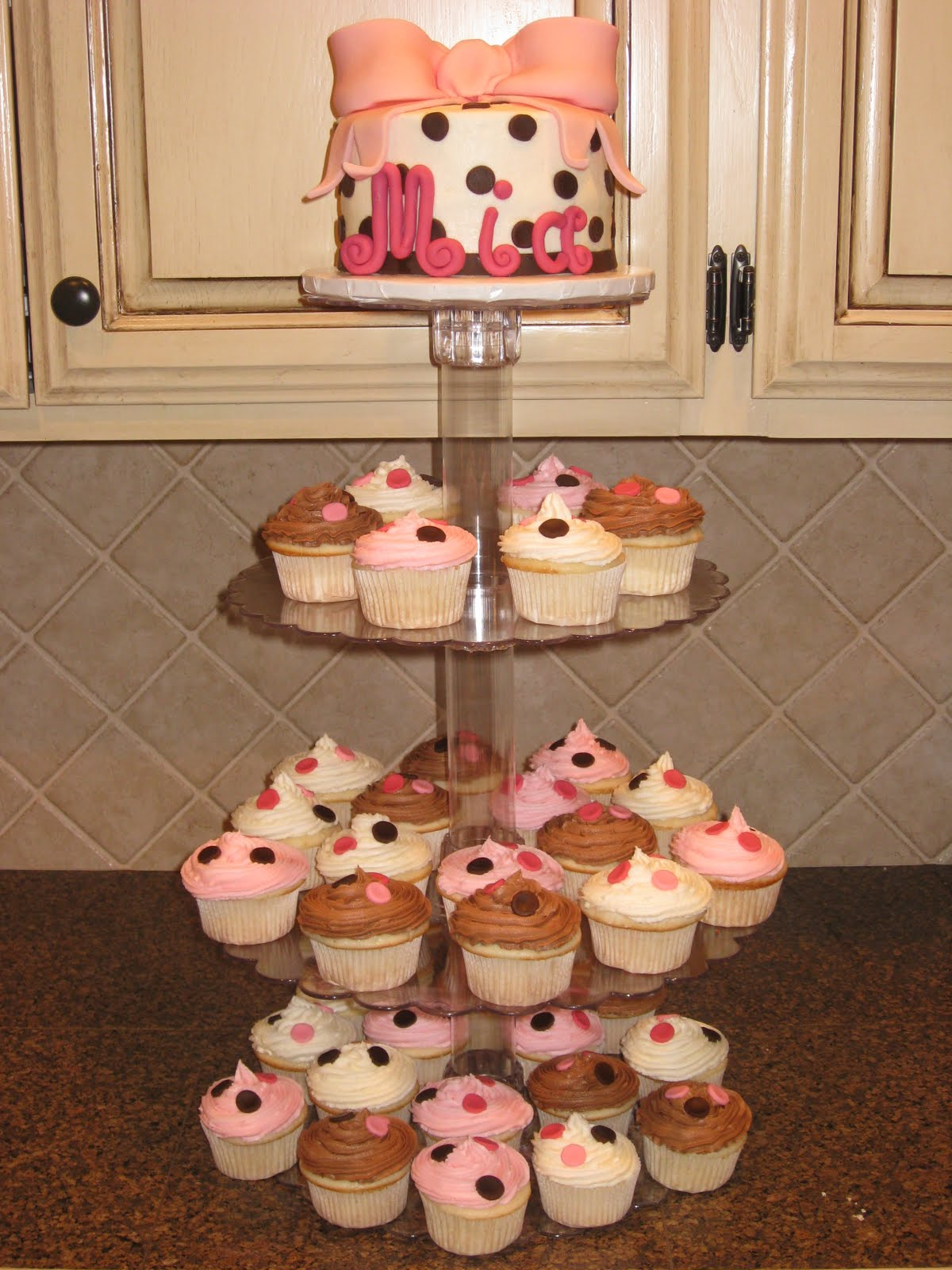 shannon 39 s creative cakes baby shower cupcake tower