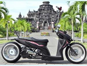 HONDA VARIO MODIFIED WITH HARLEY HANDLEBAR