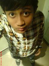 blogger boy (: