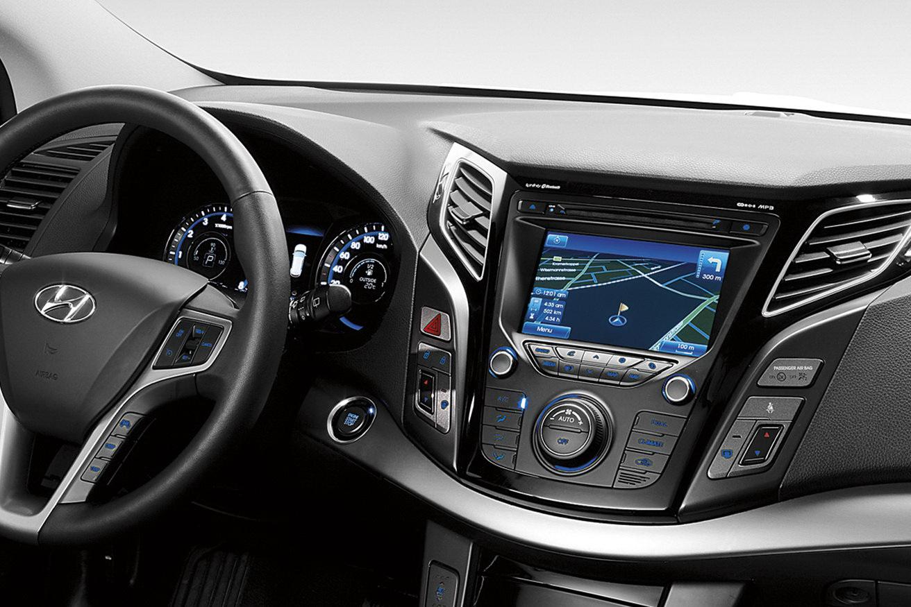 Bmw I8 Concept Hyundai I40 Mid Size Model