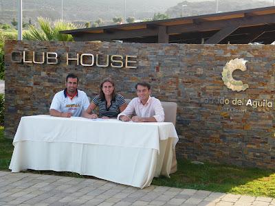 Firma de Cecilia Reiter con club Cerrado del Aguila